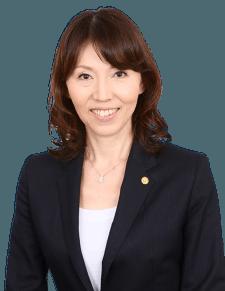 海外滞在経験が豊富で英語に強い行政書士 横山美佐子